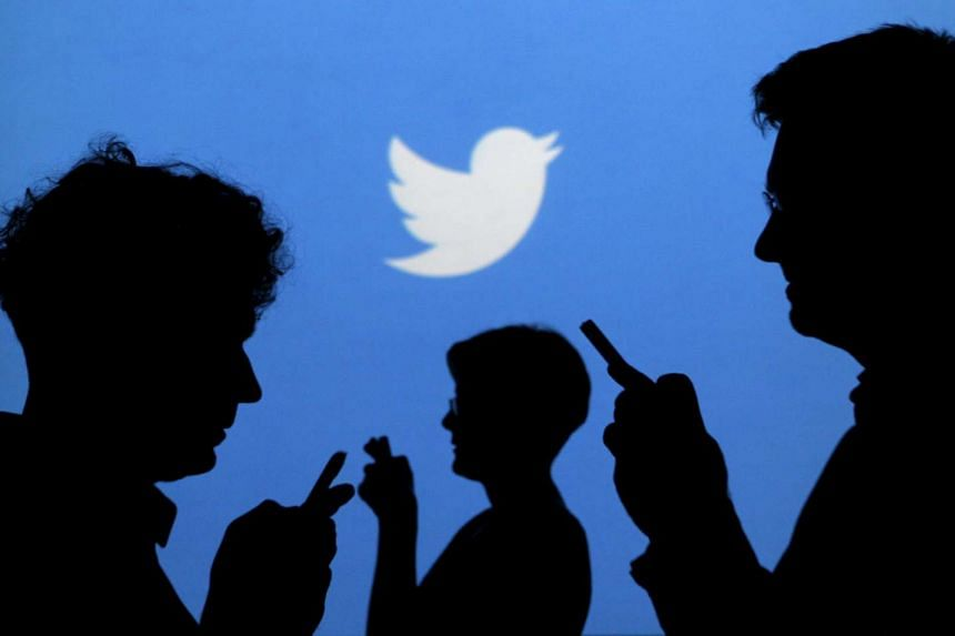 Twitter Inc has been offering additional restricted stock and cash bonuses to employees to prevent staff departure.