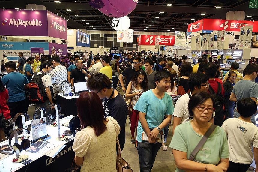 The IT Show, a perennial crowd favourite, is back for its 2016 edition. And the four-day consumer electronics fair, which ends tomorrow, is drawing the crowds. The latest tech gadgets and consumer appliances are up for grabs, and used gadgets can be