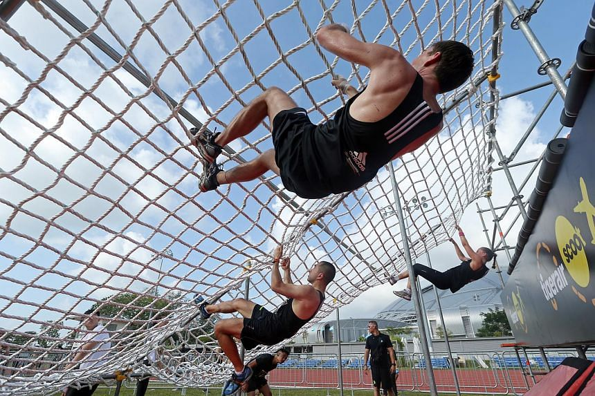 Final Obstacle, the last of 9 obstacles for The Men's Health Urbanathlon 2016.