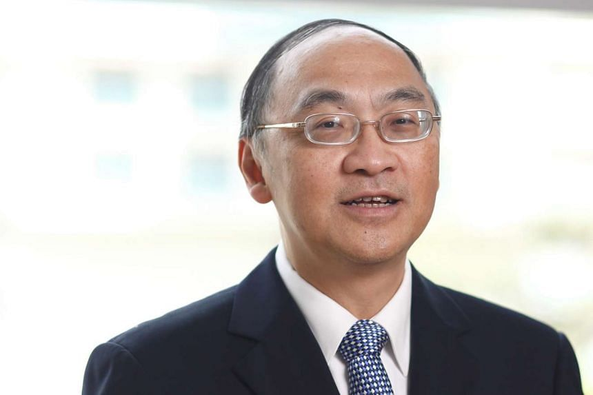 Singapore Press Holdings' CEO Alan Chan will replace Mr Michael Lim Choo San as Land Transport Authority chairman.