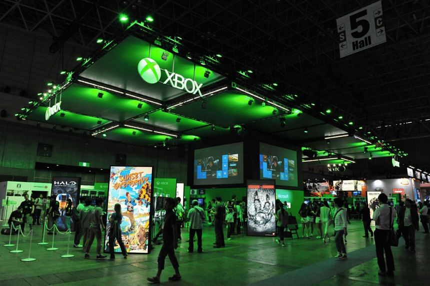 Xbox is looking at enabling developers to support online play across different platforms, including main rival Sony and its Playstation consoles.