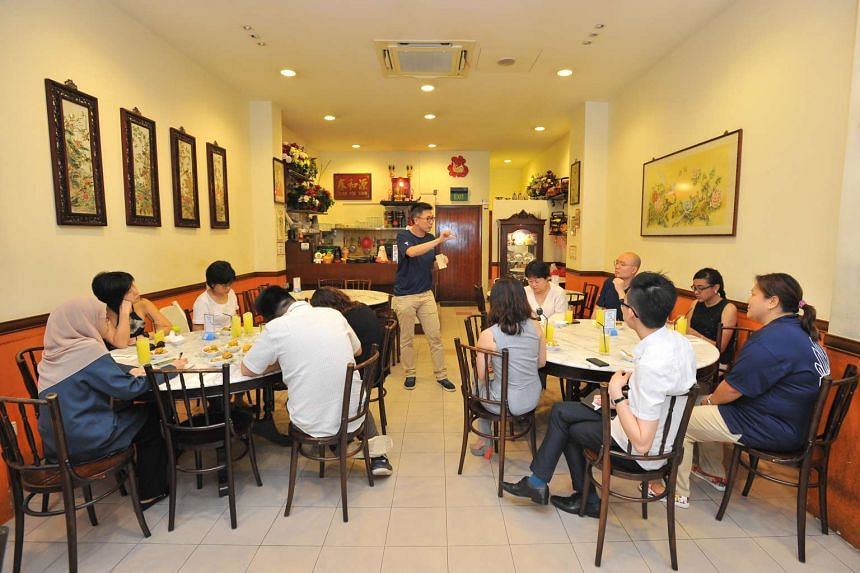 Mr Jason Loe speaking at Guan Hoe Soon Restaurant, which is part of the guided tour on Mr Lee Kuan Yew, on March 16, 2016.