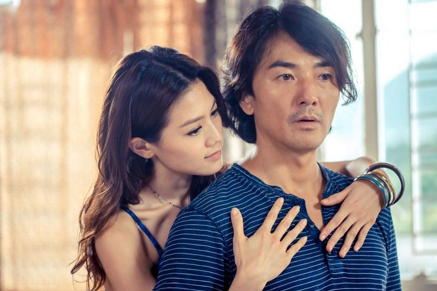 Ekin Cheng buys a made-to-order female robot played by Chrissie Chau in iGirl.