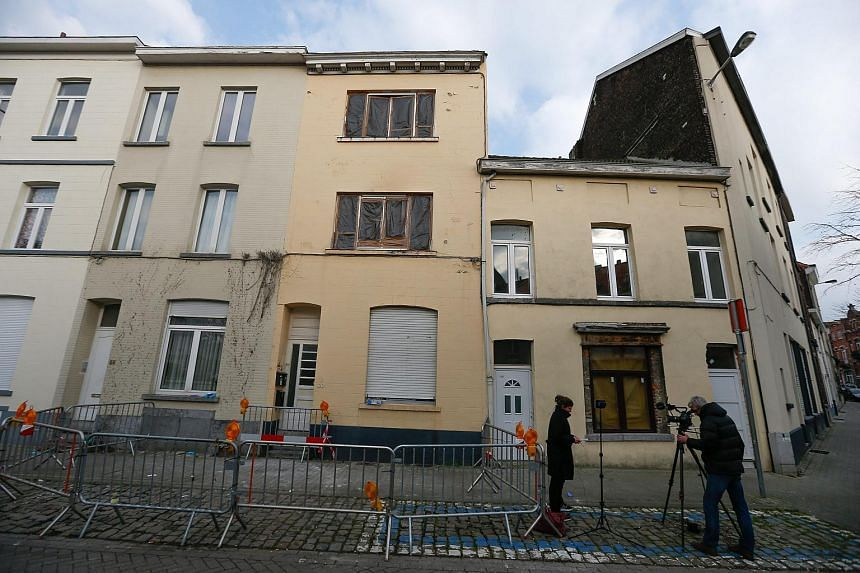 A trace of DNA from one of the attackers of the November Paris killings has been found in an apartment raided by Belgian police.