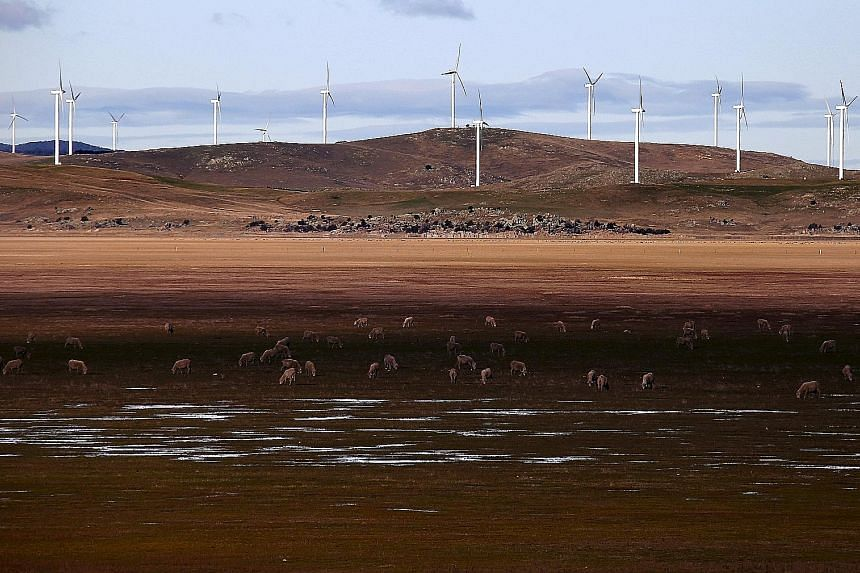 Australian Prime Minister Malcolm Turnbull yesterday said the country would establish a A$1 billion (S$1.03 billion) clean-energy innovation fund, in a major departure from his predecessor's much maligned approach to combating climate change. Former