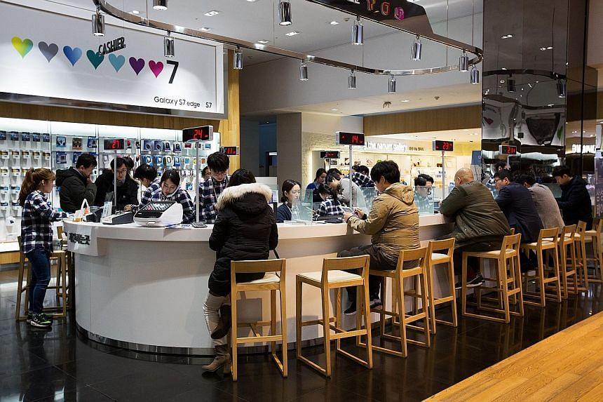A Samsung store in Seoul. Hurt by a rapid decline in smartphone profits and the absence of new businesses to drive growth, Samsung is reforming its military-style working culture to foster innovation.