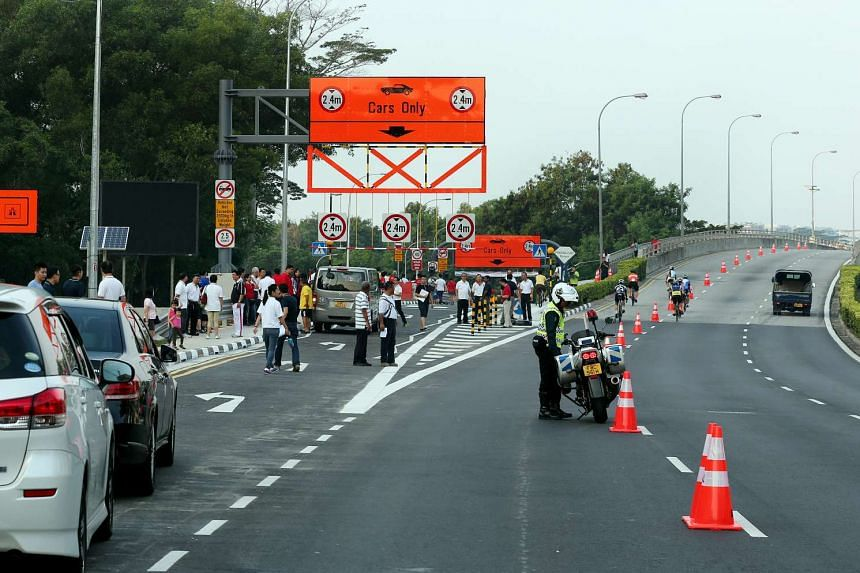 A new 1km temporary slip road that connects motorists in Punggol directly to the KPE was opened on Saturday.