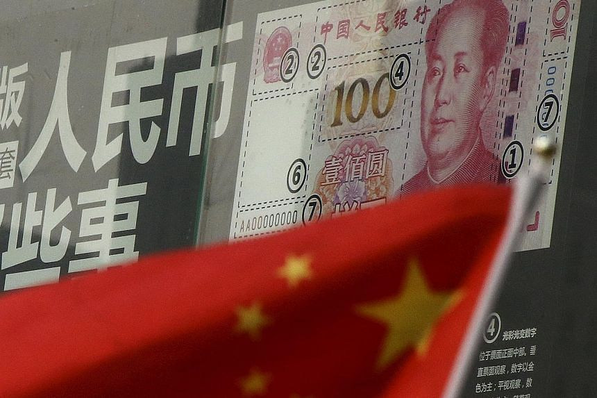 The People's Bank of China has allowed cross-border yuan transactions between the major inland commercial hub of Chongqing and Singapore.