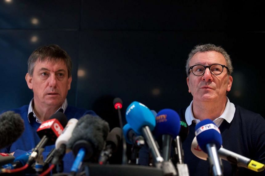 Interior Minister Jan Jambon (left) and Brussels mayor Yvan Mayeur at a press conference on March 26, 2016.