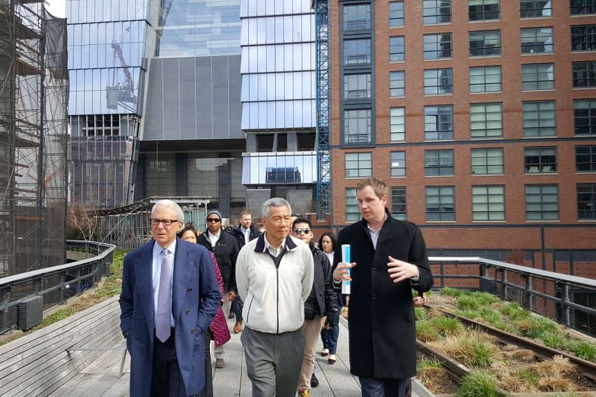 Prime Minister Lee Hsien Loong visits the New York High Line on March 27, 2016.