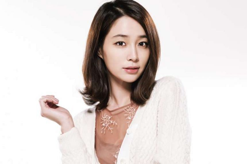 Actress Lee Min Jung says having a son has been life-changing for her and actor-husband Lee Byung Hun.