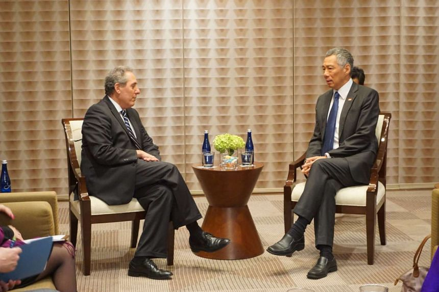 Prime Minister Lee Hsien Loong meets US Trade Representative Michael Froman in Washington on March 31, 2016.