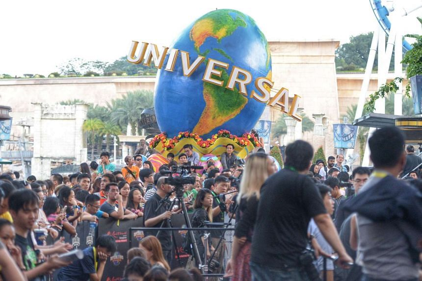 Fans and media packed the venue for a glimpse of the Hollywood stars.