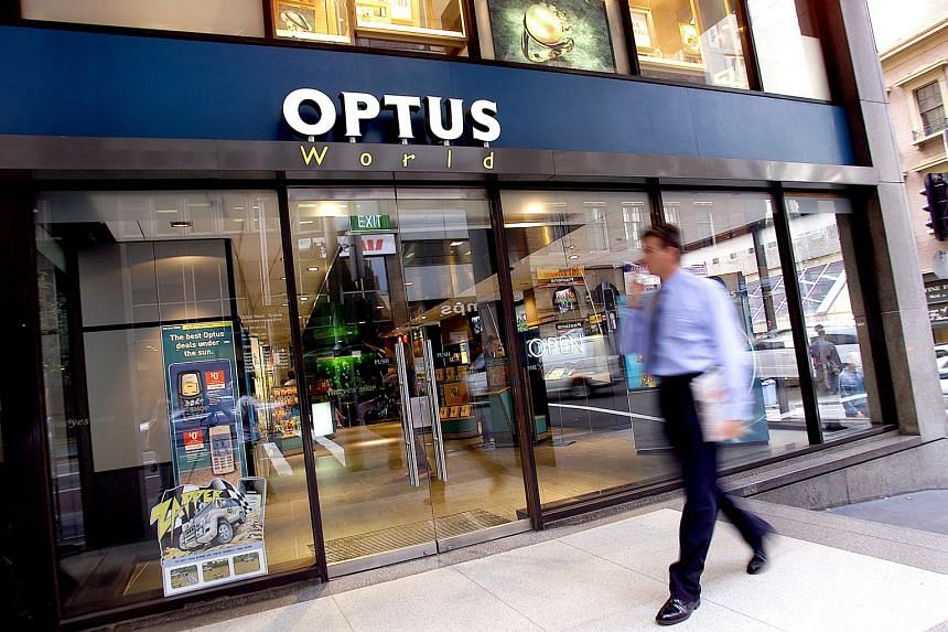 SingTel-owned Optus, Australia's second-biggest mobile phone carrier, plans to cut as many as 480 jobs.