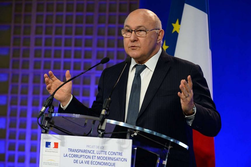 "French Finance Minister Michel Sapin has said that he wants the Organisation for Economic Co-operation and Development to put Panama on its ""blacklist"" of tax havens."