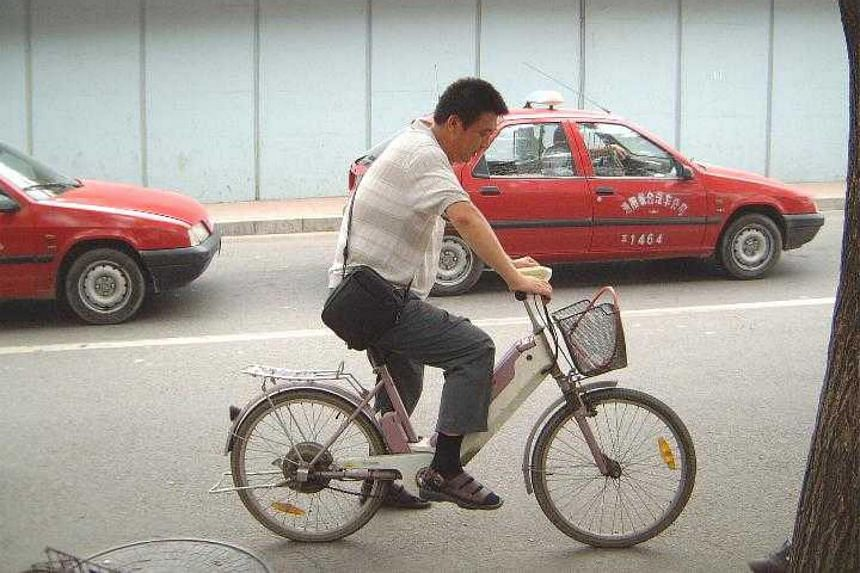 Last year, 113 people died in traffic accidents caused by electric bikes in Beijing.