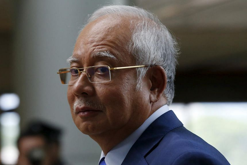 Mr Najib acknowledged weaknesses in 1MDB's management and said the government would study the report's recommendations.