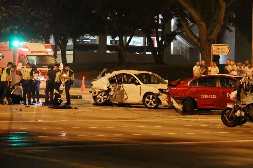 An accident involving four cars occurred at the junction of Bedok Reservoir Road and Eunos Link on Sunday (April 10) morning.