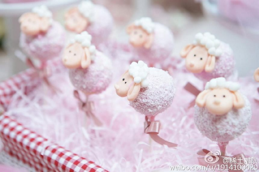Actress Zhang Ziyi on Sunday debuted her baby in front of guests at a celebration marking the 100th day of the child's birth.