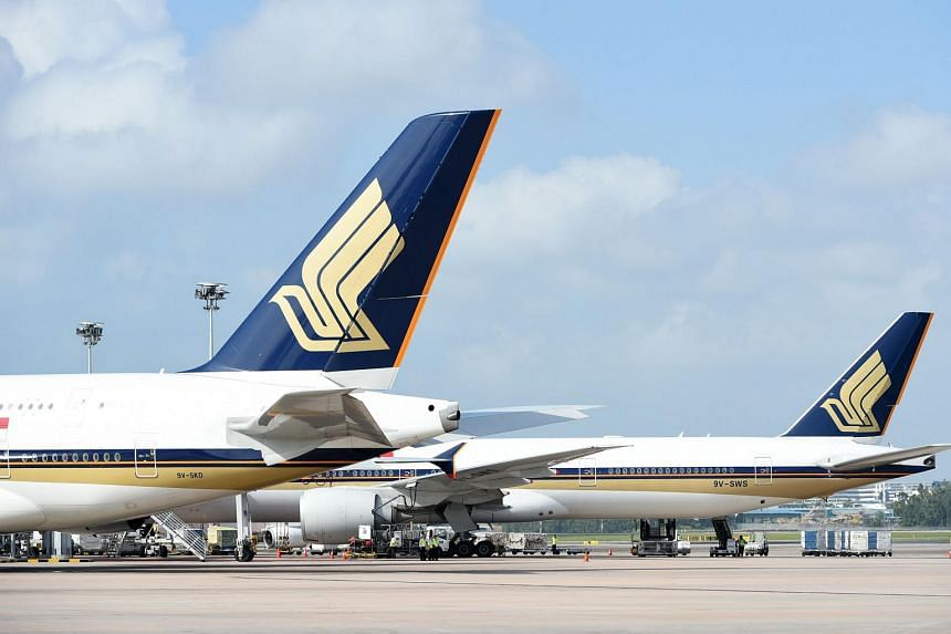 Singapore Airlines (SIA) has, for the first time, hired women to fly its planes.