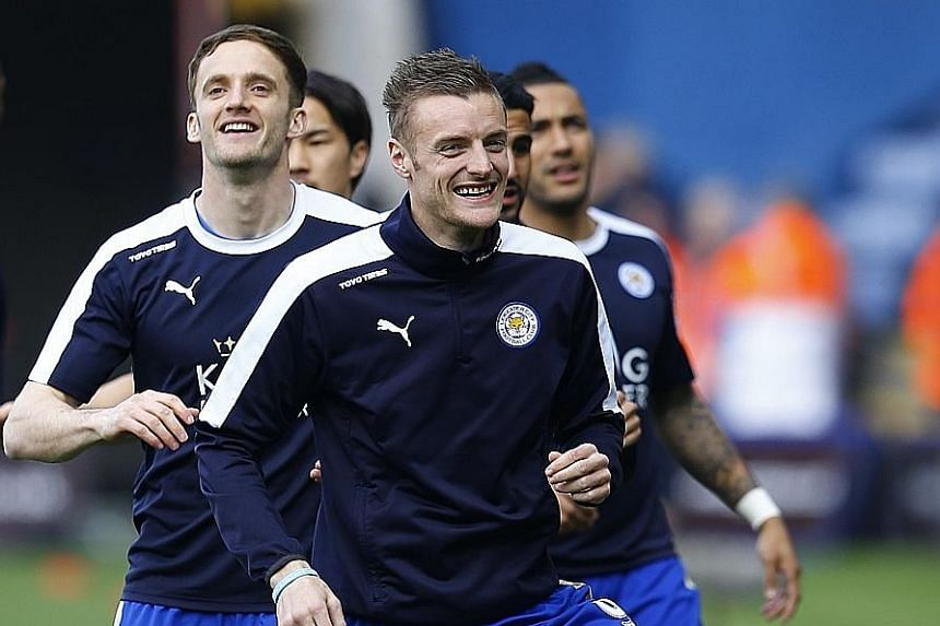 Leicester City's Jamie Vardy (front) says his manager Claudio Ranieri has fostered a relaxed training atmosphere that has led to the squad's strong team spirit.