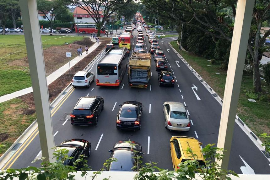 View of Dunearn Road towards the city, from the overhead bridge at Sixth Avenue MRT station at about 7.30am.