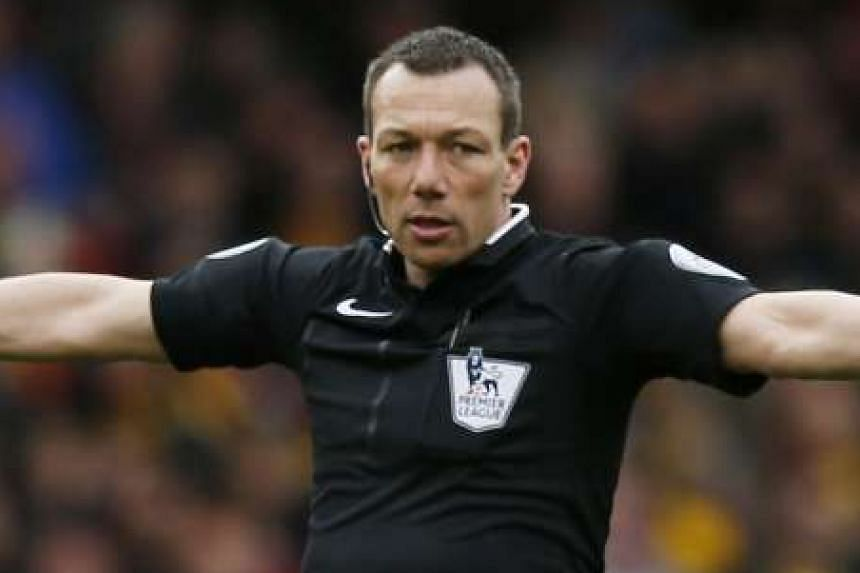 Referee Kevin Friend, a self-confessed Leicester City fan, has been replaced for the football match between Tottenham Hotspurs' and Stoke City.