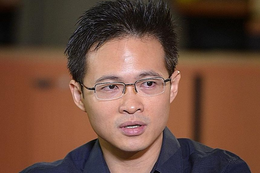 Psychologists or psychiatric nurse practitioners stationed at social service offices will be able to help identify those with undiagnosed mental health issues, who may turn to the offices for social or financial aid, says Dr Neo. Dr Neo suggested tha
