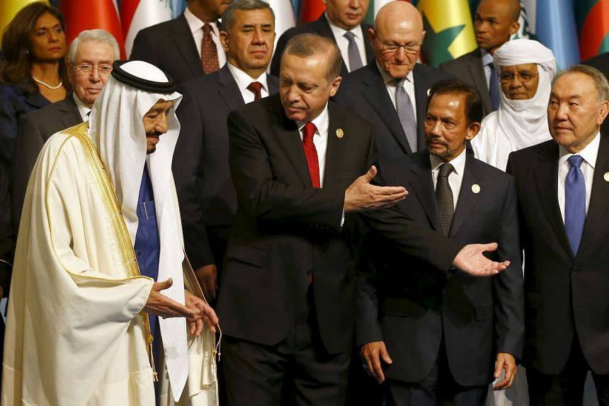 President Tayyip Erdogan (second from left) is seen with King Salman of Saudi Arabia (left), Sultan of Brunei Hassanal Bolkiah (second right), and Kazakhstan's President Nursultan Nazarbayev (right) at the Islamic Summit in Istanbul on Thursday.