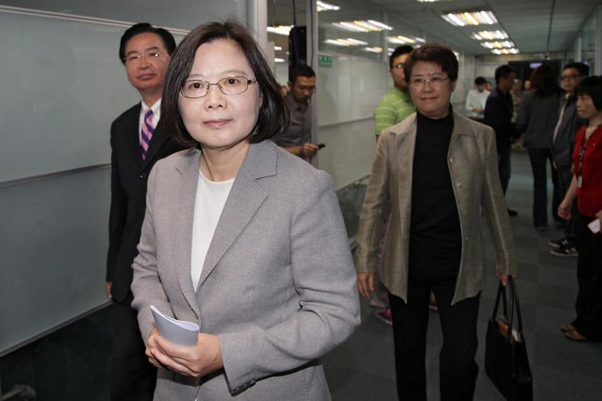 Ms Chang Hsiao-yueh has been appointed chief of the Mainland Affairs Council, the second woman to hold the position after president-elect Tsai Ing-wen (centre).