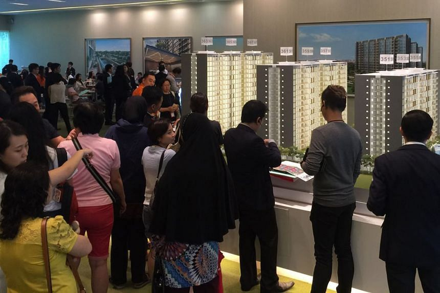 The best-selling EC project was Sim Lian Group's Wandervale in Choa Chu Kang, the first EC launched this year. It sold 292 of 534 units last month at a median price of $770 psf.