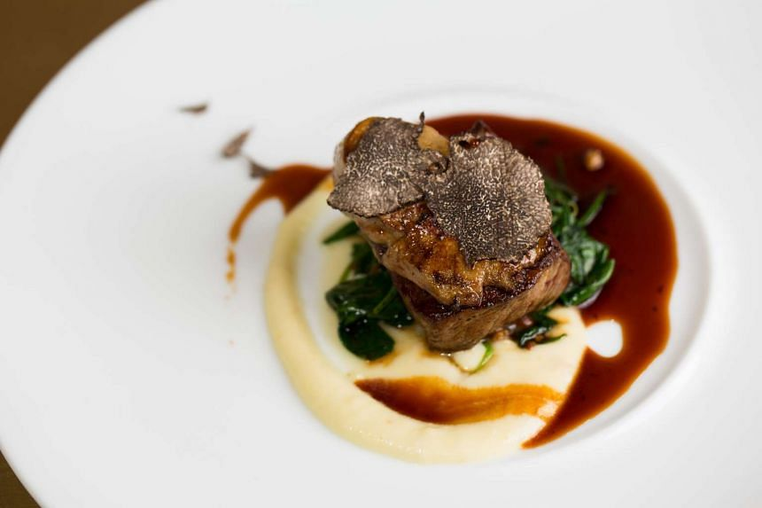 999.99 (FIVE NINES): Rossini (S$23), a piece of pan seared striploin, topped with foie gras and a fairly generous serving of truffle with pomme puree and spinach on the side.