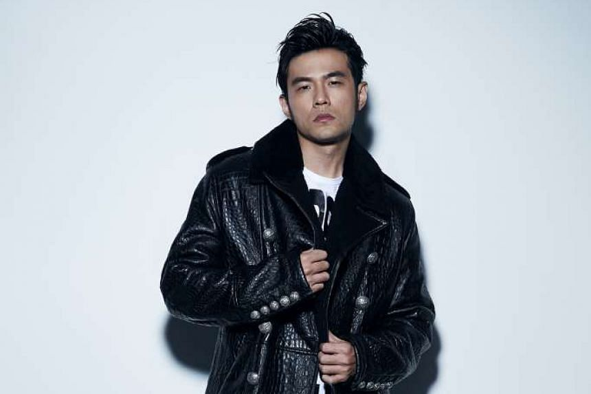 Pop star Jay Chou is entering the gaming market as the leader of an e-sport team.