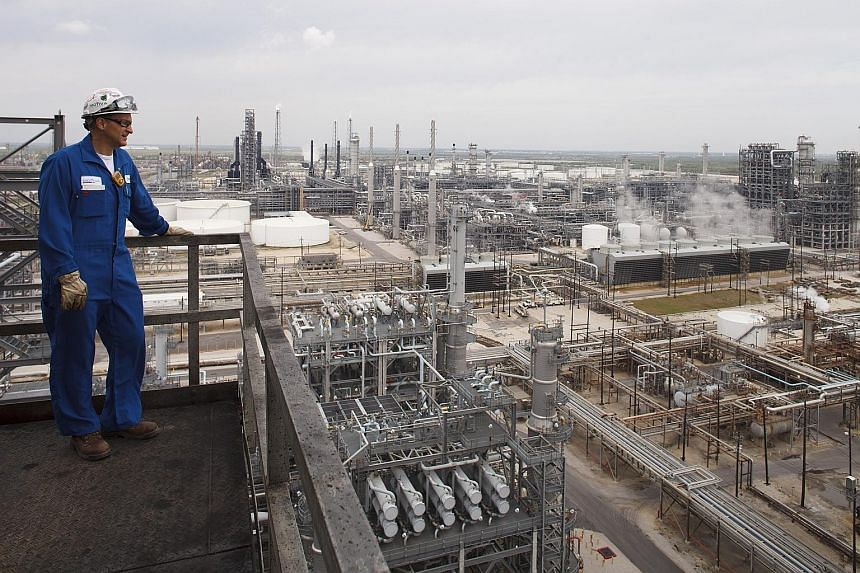 Although the Saudis might be able to sell the refinery (right) in Port Arthur, Texas, they would lose a strategic investment. The refinery, which is owned by Motiva Enterprises, highlights the cost of pulling back.
