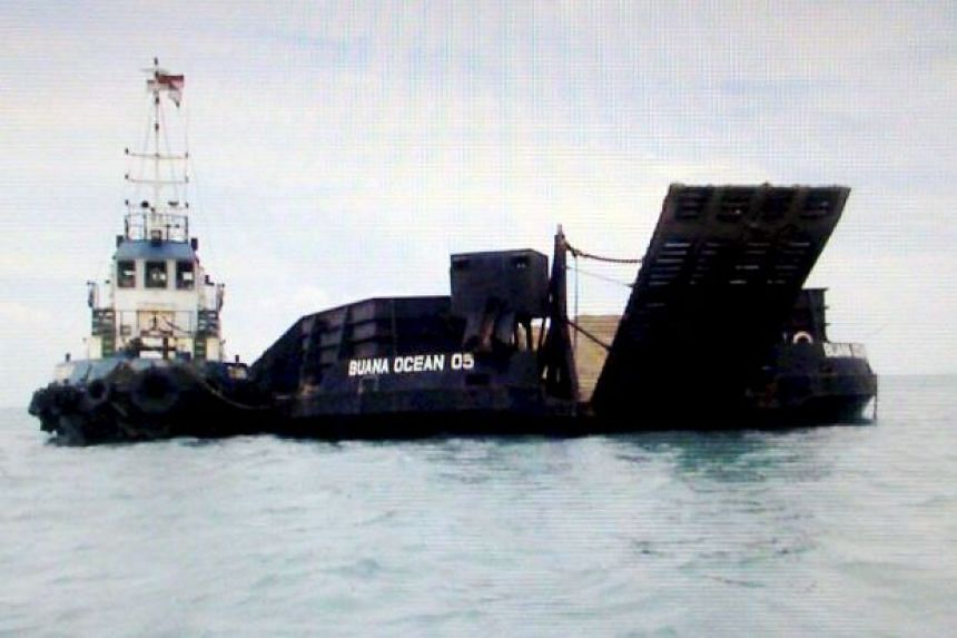 Maritime authorities detained a tugboat and a barge filled with sand in Pengerang waters.