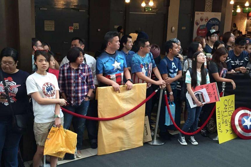 Fans waiting for the Captain America: Civil War blue carpet event happening tonight, April 21, 2016.