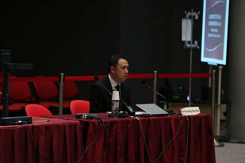 Lawyer Rey Foo at the Constitutional Commission hearing on April 22, 2016.
