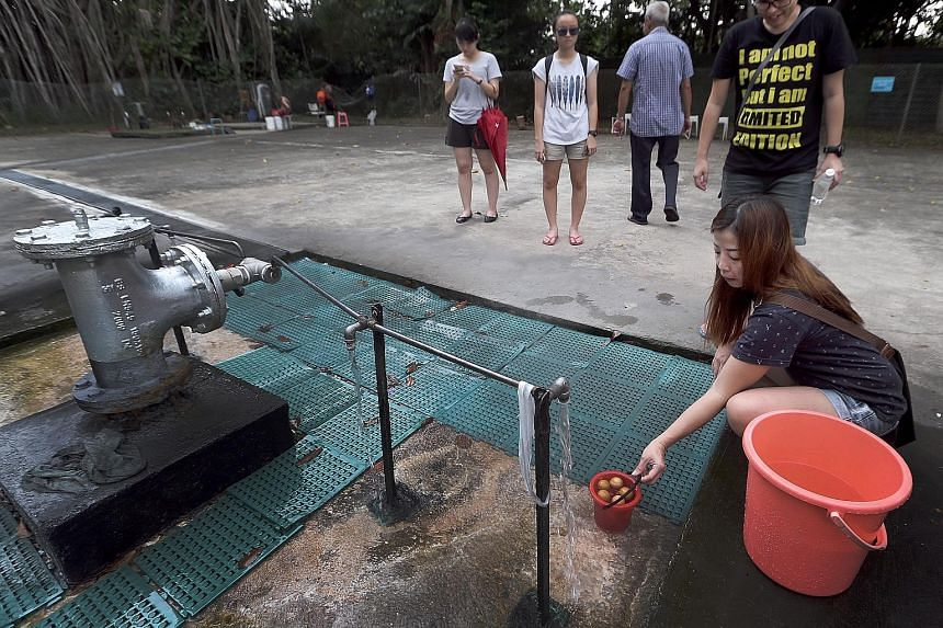 The Sembawang Hot Spring, the only one on mainland Singapore, is currently found within a military camp. Residents can get to it by entering a gate along Gambas Avenue and walking down a path for about 100m.