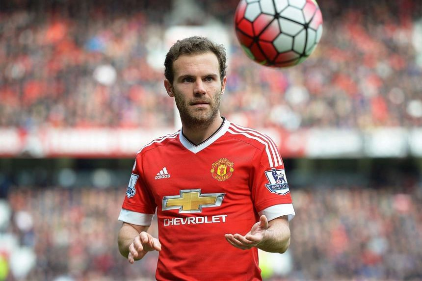 """Manchester United midfielder Juan Mata admitted that footballers earn """"obscene"""" amounts of money and """"live in a bubble""""."""