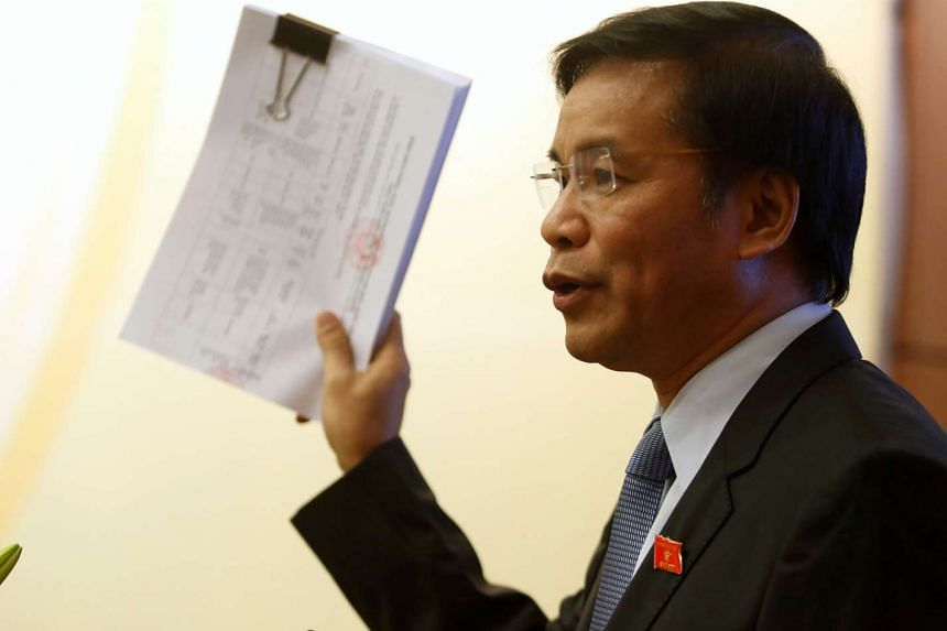 National Assembly General Secretary Nguyen Hanh Phuc introduces the list of candidates for the May 22 election at a news conference in Hanoi, on April 26, 2016.