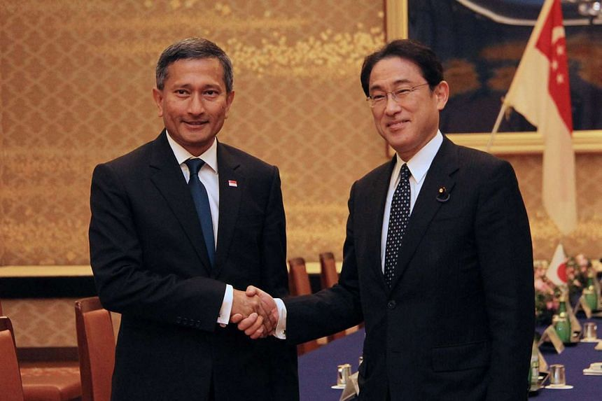 Minister for Foreign Affairs Dr Vivian Balakrishnan (left) and Minister for Foreign Affairs of Japan Fumio Kishida in Tokyo, on April 26, 2016.