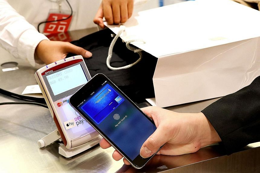 Other than at Uniqlo, iPhone users can use Apple Pay to make their purchases at Starbucks and FairPrice supermarkets.