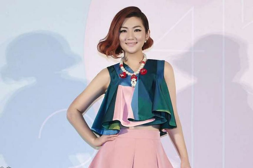 Taiwanese singer Selina Jen (above) and lawyer Richard Chang completed their divorce on Wednesday (April 27).