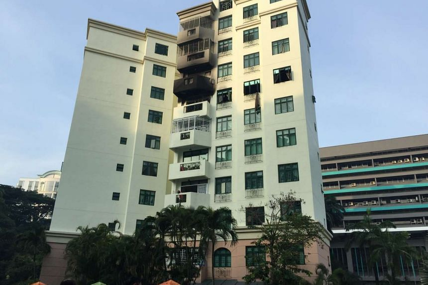 A fire at a seventh floor condominium unit at Hume Avenue on Saturday morning (April 30) led to the death of an elderly man. The cause of the fire is being investigated.