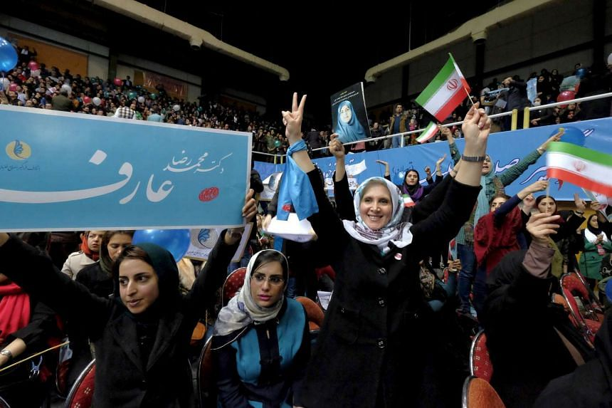 Iranian women take part in a reformist campaign for the upcoming parliamentary elections in Teheran on Feb 20, 2016.