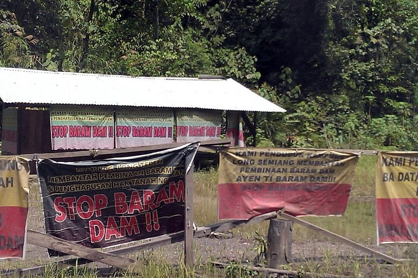 Indigenous people in Sarawak had set up a blockade camp in 2013 to protest against the construction of the mega Baram Dam. The controversial project looked set to win the opposition some rural seats in the state elections on Saturday - until the Chie