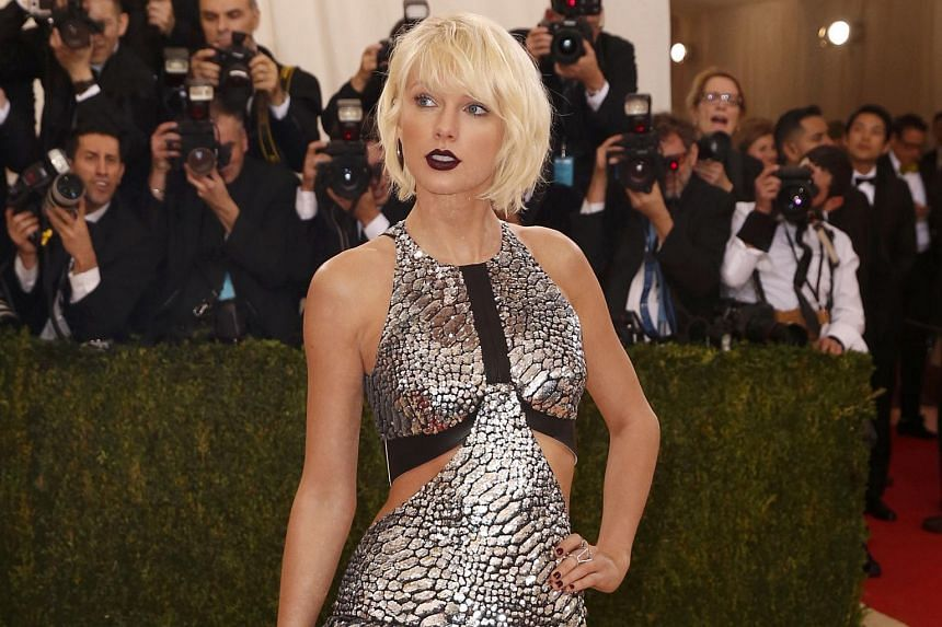 Singer Taylor Swift arrives at the Met Gala to celebrate the opening of Manus x Machina: Fashion in an Age of Technology in New York, on May 2, 2016.