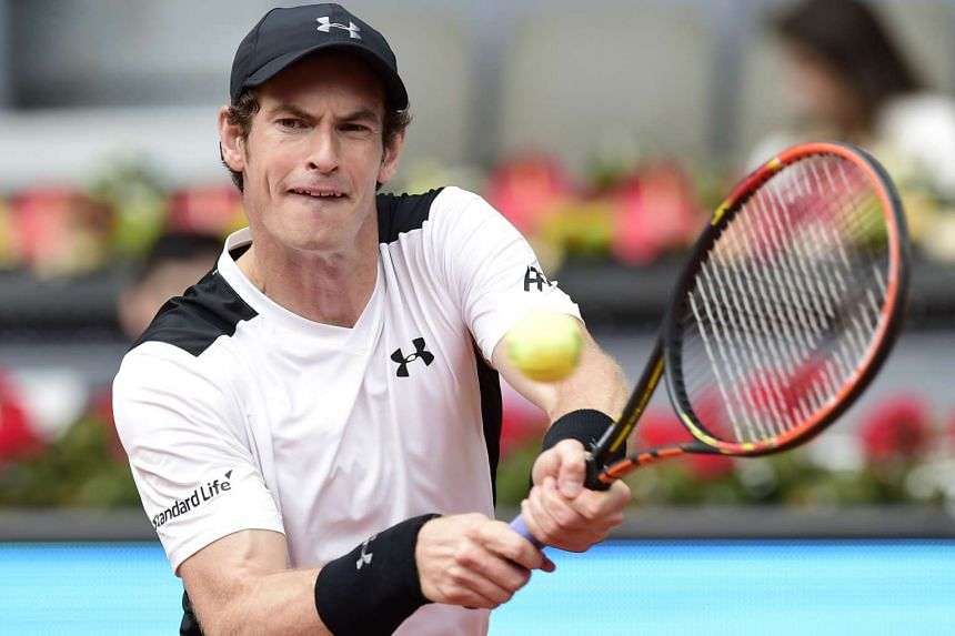 Murray in action on May 5, 2016, against Simon.