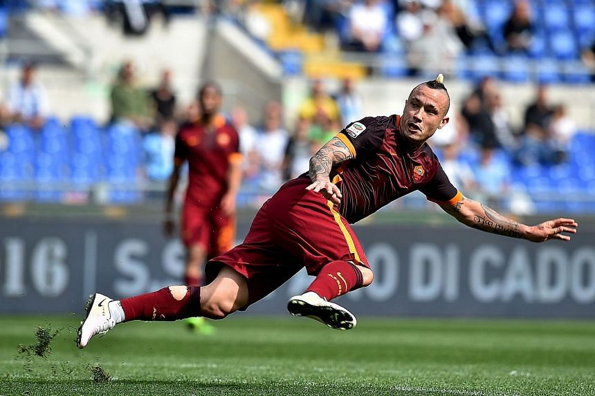 Roma midfielder Radja Nainggolan has agreed on a £31 million deal to move to Chelsea next season.