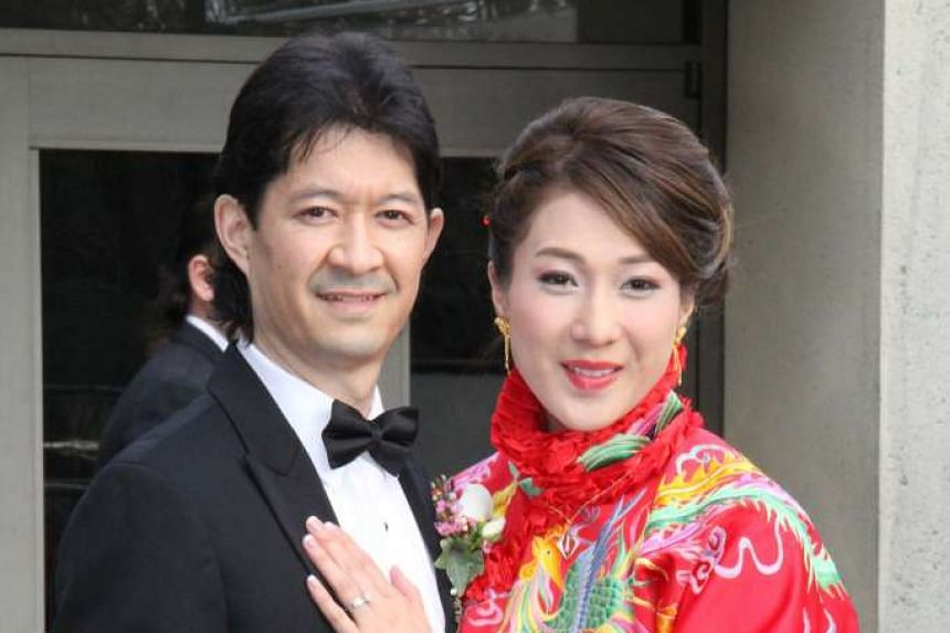 Linda Chung, who is married to chiropractor Jeremy Leung, announced her pregnancy on Weibo.